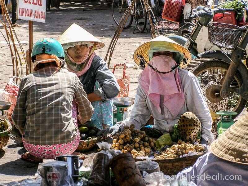 mujeres de Hoi An