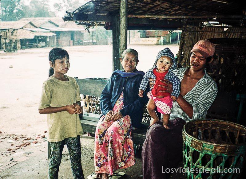 familia birmania