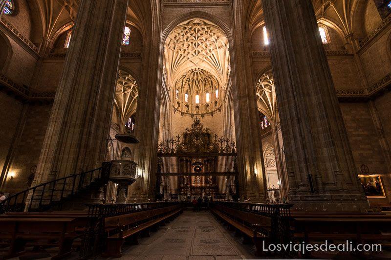 un día en segovia interior catedral