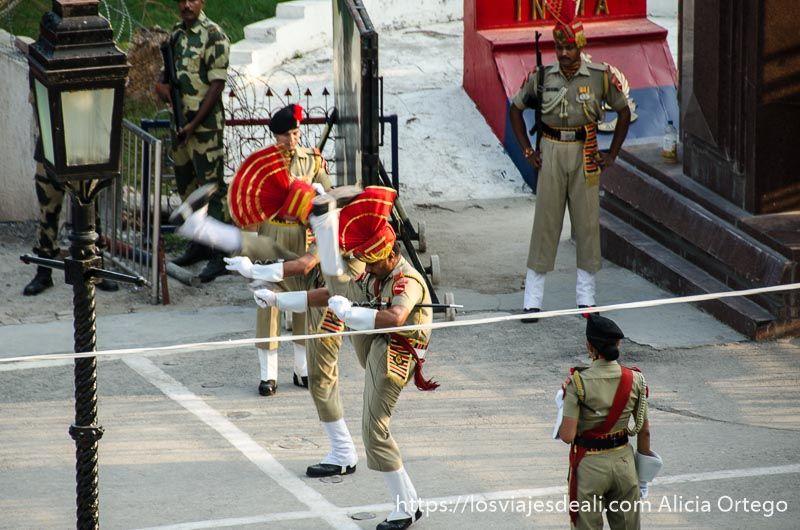 ceremonia frontera india-pakistan