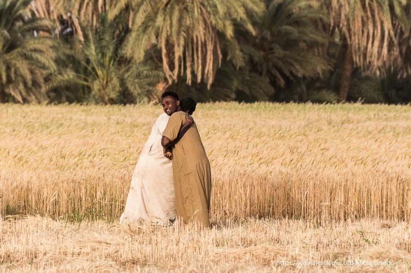 abrazo tradicional de Sudán