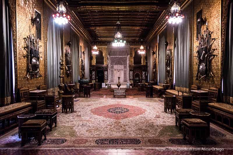 sala oriental en el castillo de peles en sinaia
