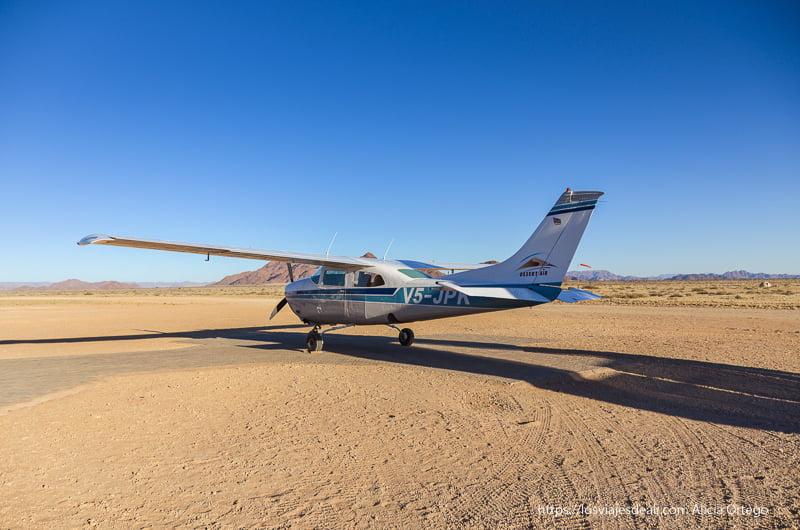 avioneta para sobrevolar el desierto del Namib