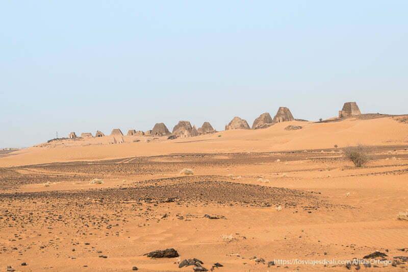 panorámica de las pirámides de Meroe