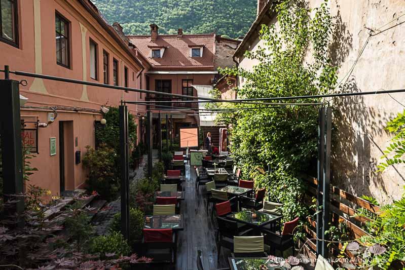 patio de casa albert en Brasov