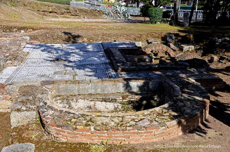 termas de casa romana de mérida con mosaicos