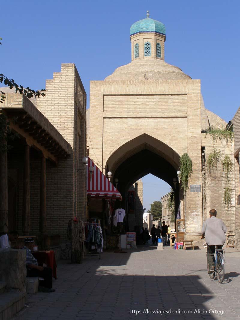 calles de la parte vieja de bukhara