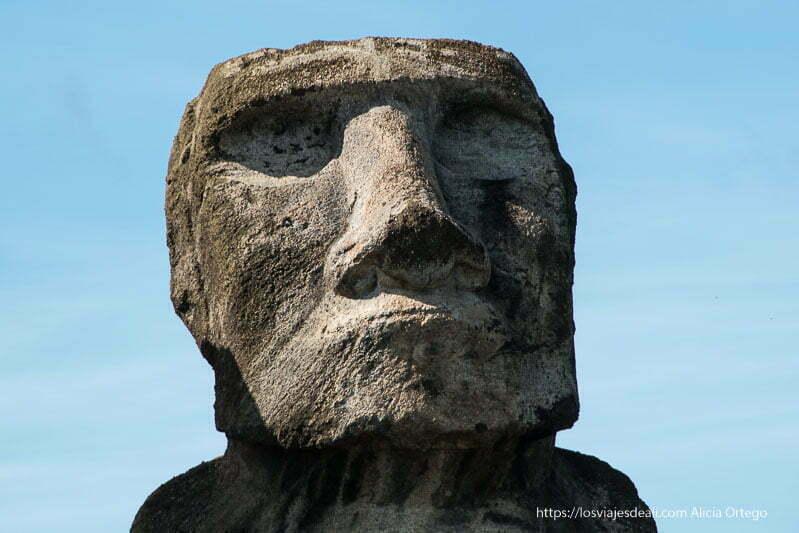 rostro de moai cómo es viajar a Isla de Pascua