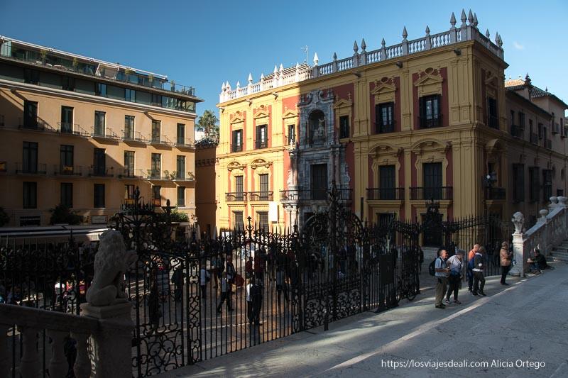 plaza de la catedral desde la puerta de esta centro de málaga