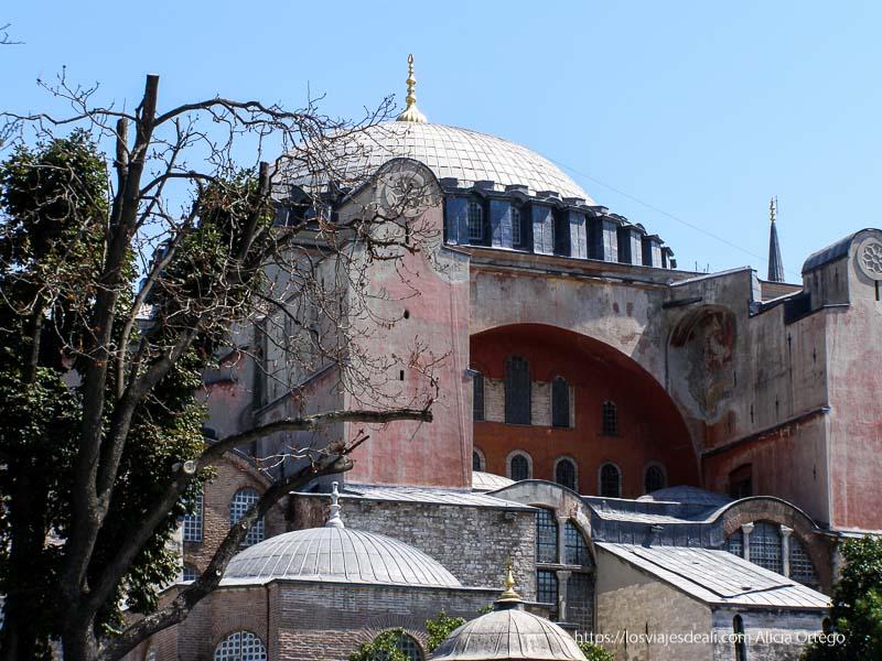 fachada de santa sofía qué ver en un día en estambul
