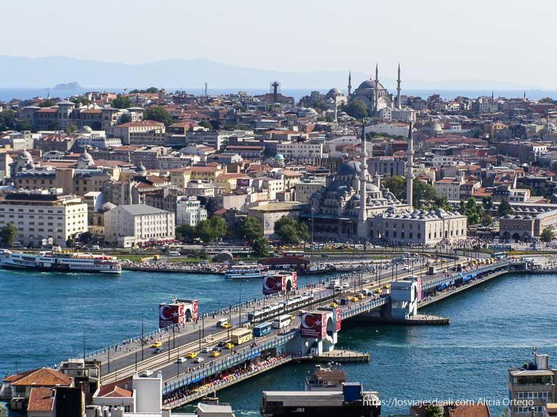 vistas de estambul y mezquitas con puente de gálata qué ver en un día en estambul