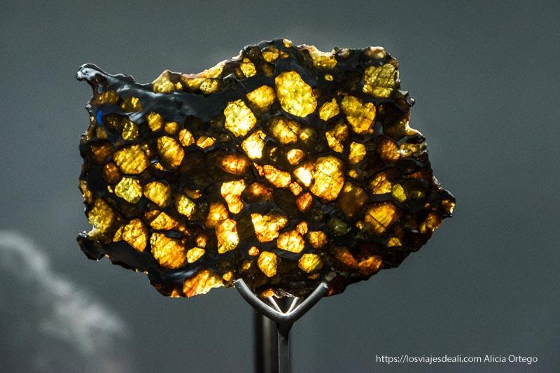 meteorito que parece ámbar San Pedro atacama