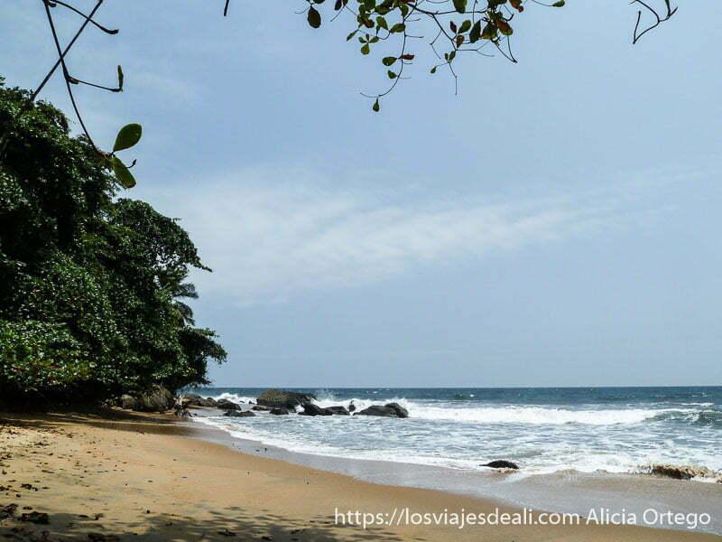playa de la costa del sur de camerún