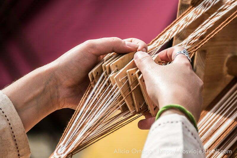 artesana con telar medieval fin de semana cidiano