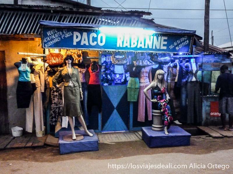 tienda de ropa llamada Paco Rabanne sur de camerún kribi