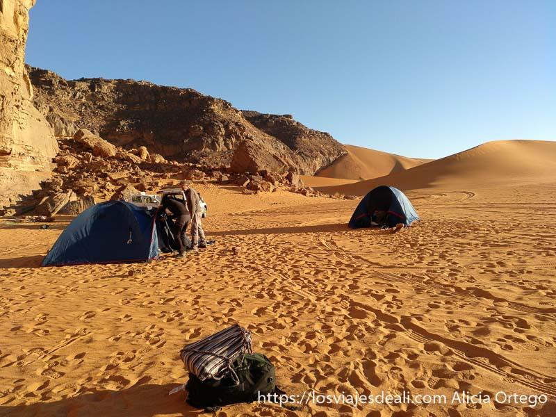 campamento entre dunas