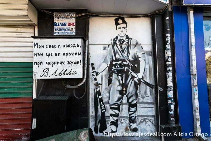 mural graffiti de un partisano