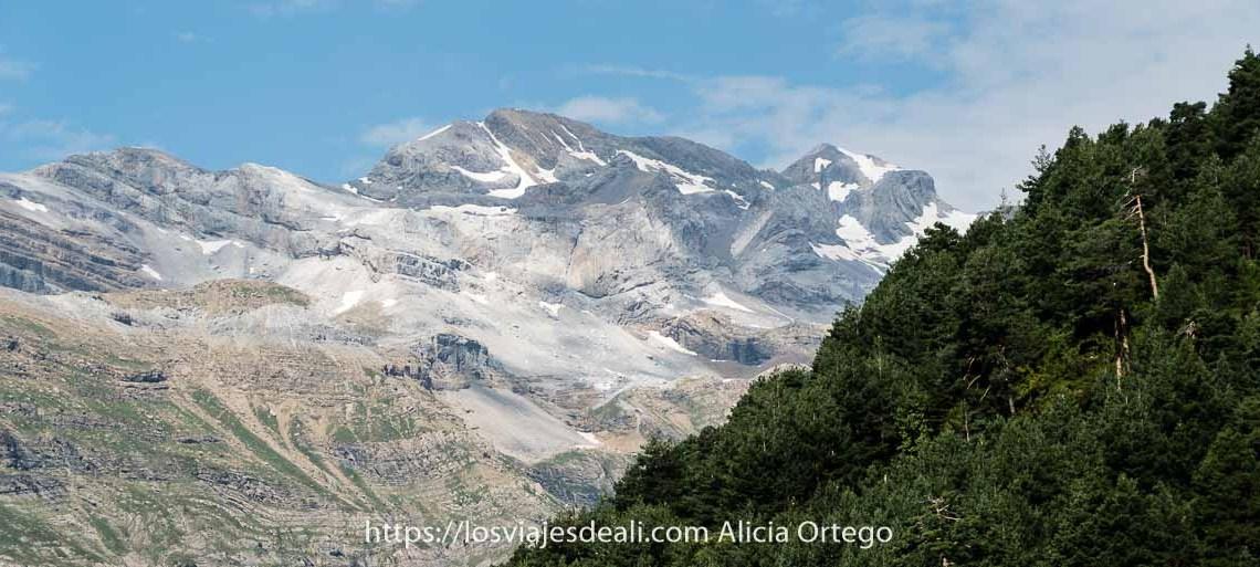 panorámica del monte perdido desde el Valle de Pineta