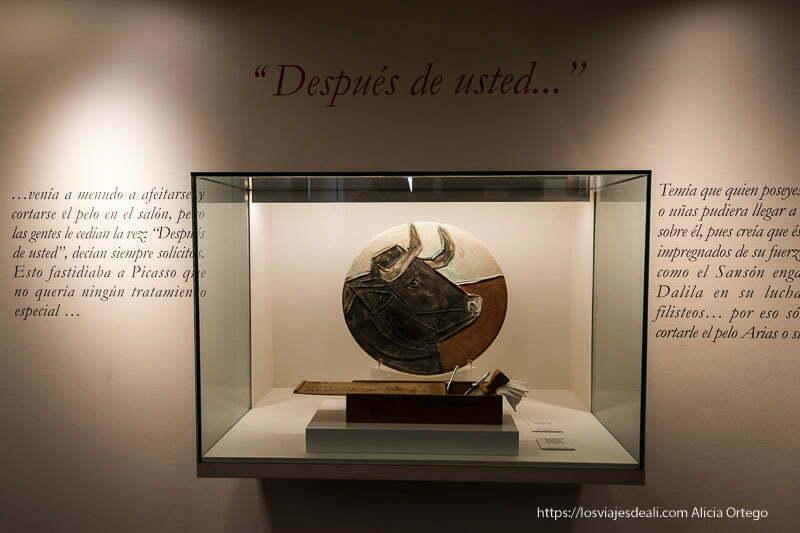 plato de cerámica con cabeza de toro de picasso en el museo de Buitrago del Lozoya