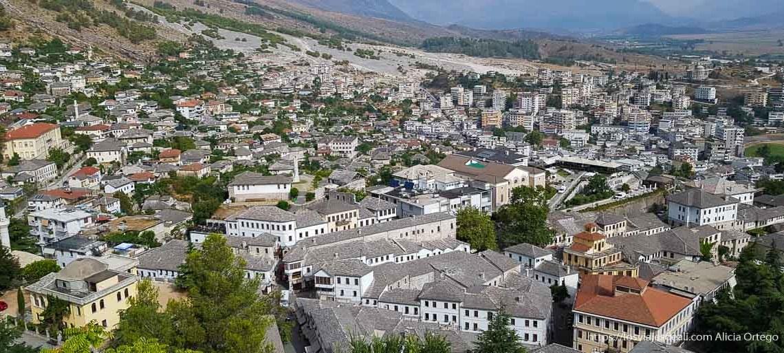 Albania en 12 días, panorámica de Gjirokaster