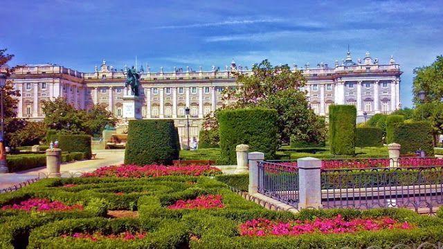 Palacio Real de Madrid, Los monumentos más importantes de España