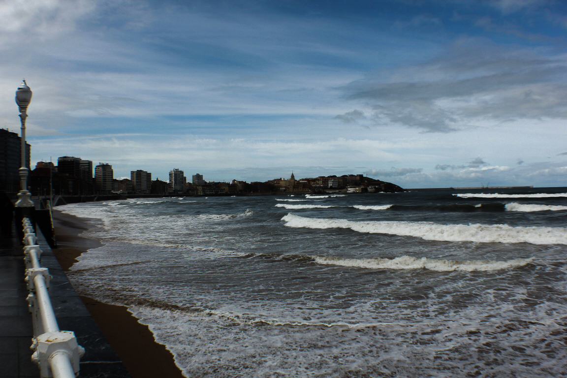 Playa de San Lorenzo | que ver en Gijon