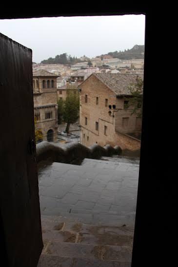 -Vistas de Estella desde el interior de la Iglesia de San Pedro-