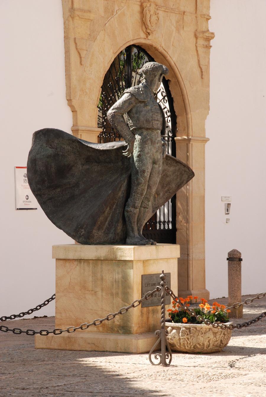 -Monumento al torero-