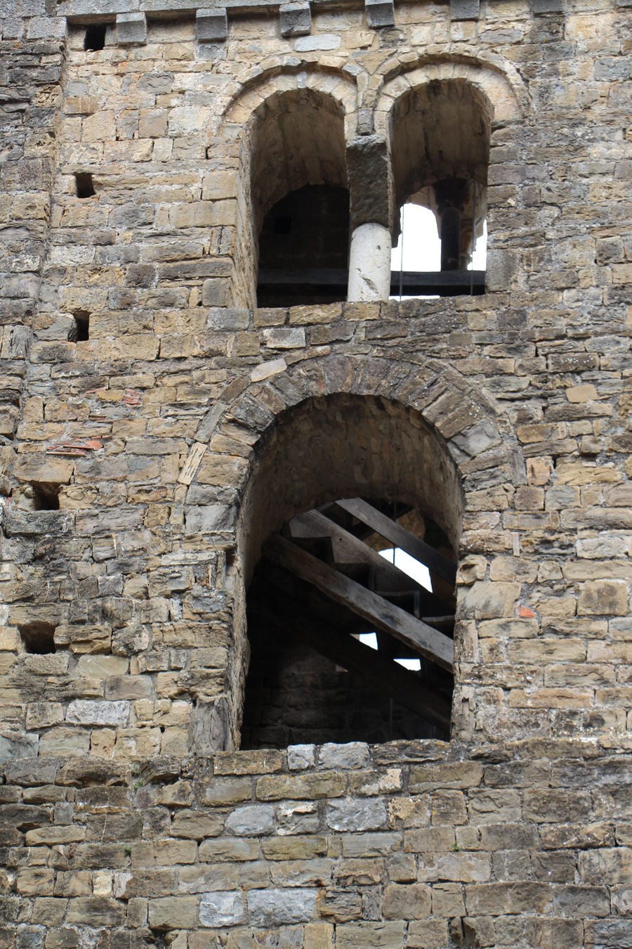 img_4502.jpg -Detalle del campanario. Iglesia San Cristobal, Beget-