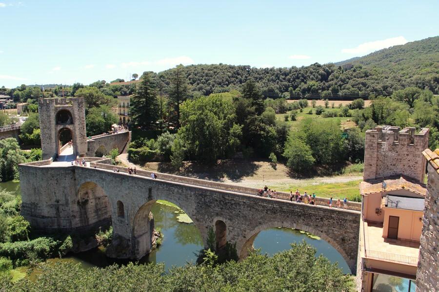 img_4472-2.jpg -Puente Medieval de Besalú sobre el río Fluviá-