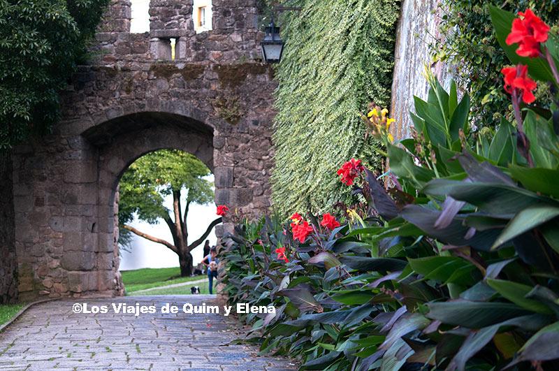 Entrada de la muralla de Évora