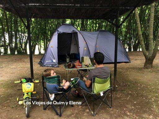 Instalados en el camping Lava