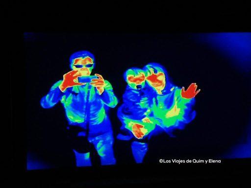 Los tres en Edimburgo, en la cámara oscura, viajar con niños