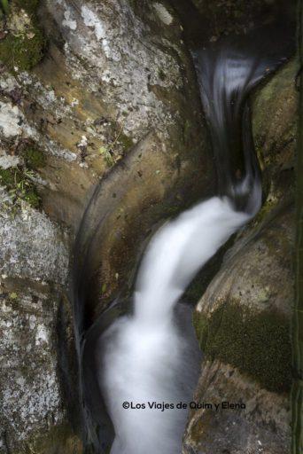 El agua está presente durante todo el recorrido