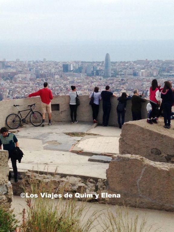 Gente disfrutando de las vistas