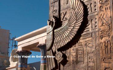 Puerta de entrada al templo de La Momia en los Atlas Studios