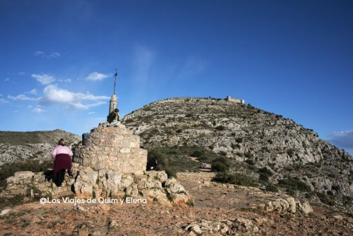 Coll de Santa Caterina con el Castillo al fondo