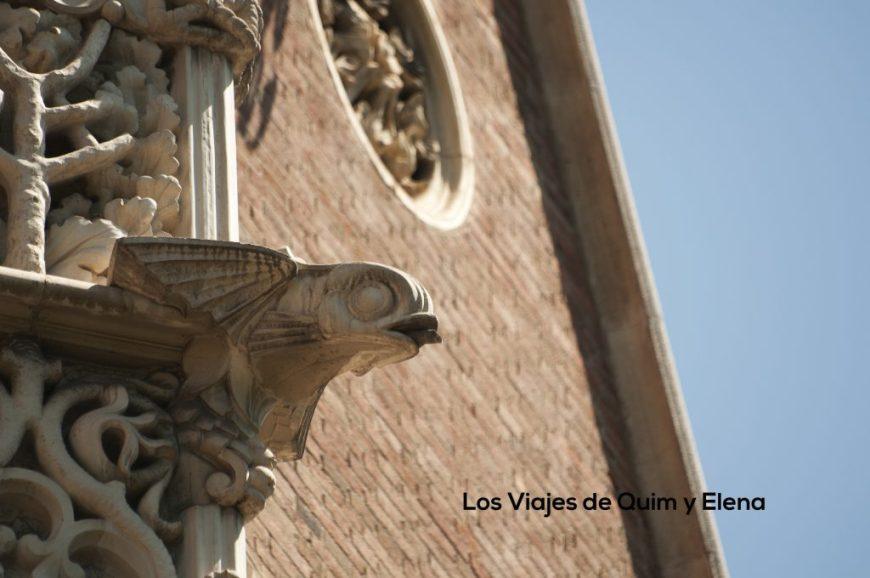 Detalle de la fachada de la Casa de les Punxes