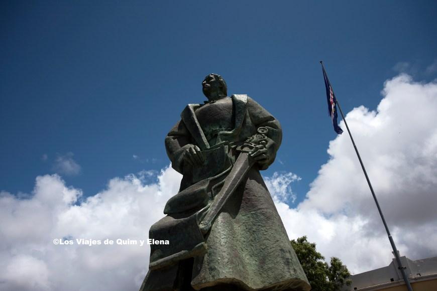 Monumento de Diogo Gomes en la capital de Cabo Verde