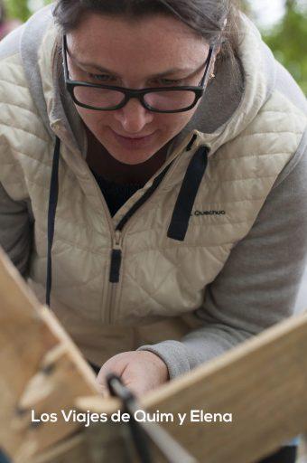 Nuestra amiga Fernanda disfrutando en el taller de experimentación