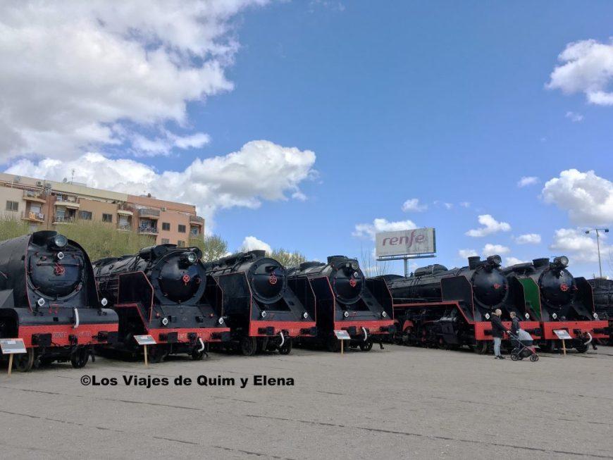 En el Museo del Ferrocarril hay muchas locomotoras de vapor