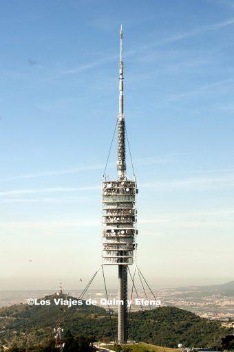 La torre de Collserola en la montaña del Tibidabo