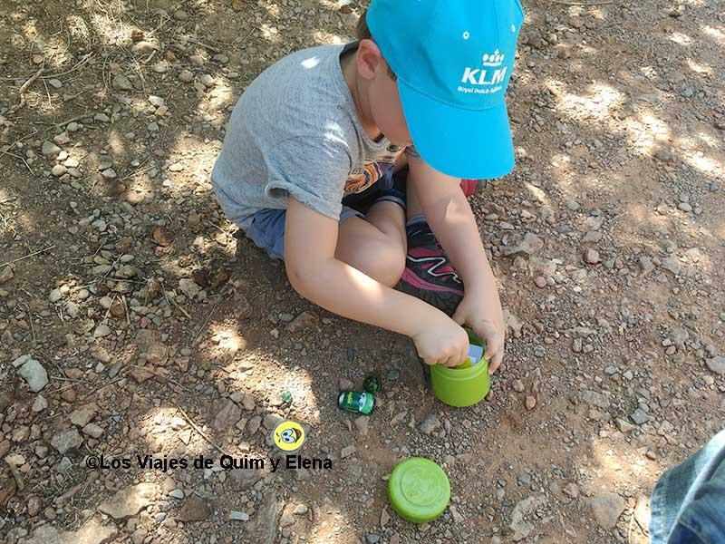 Éric investigando el tesoro