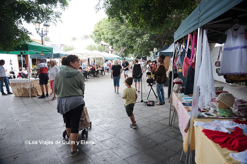 Paseando por el Mercado de Artesanía de Haría