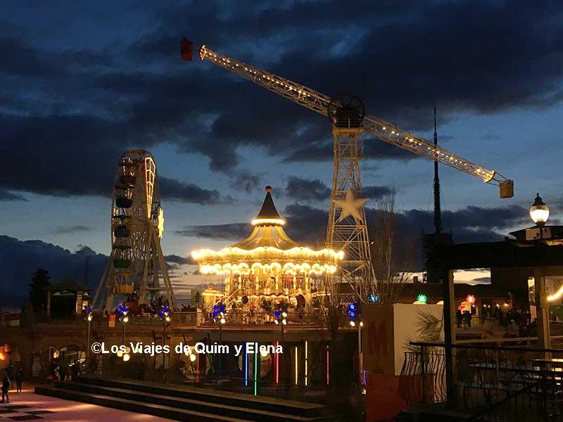 El Parque de Atracciones Tibidabo de noche
