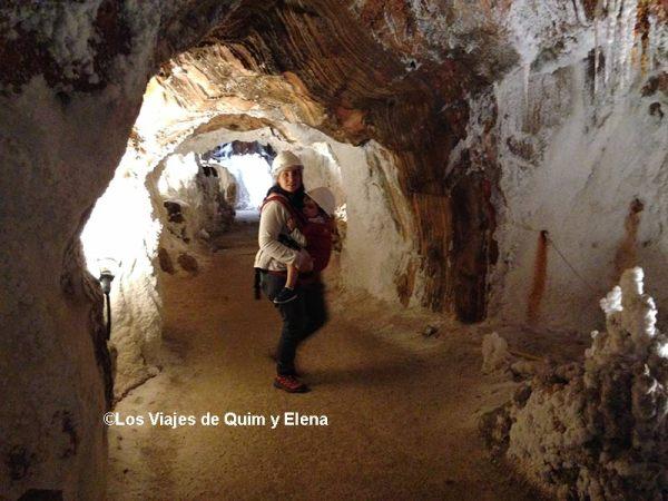 Elena y Éric en el interior de la mina