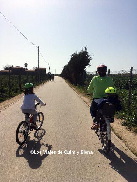 En familia por el Delta del Llobregat en bicicleta