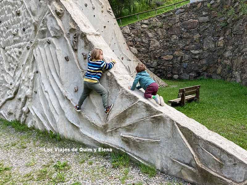 Escalando en Canillo