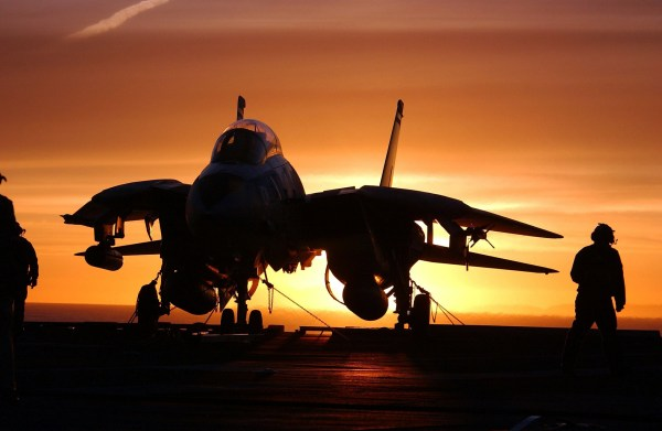 military-jet-fighter-569907_1920