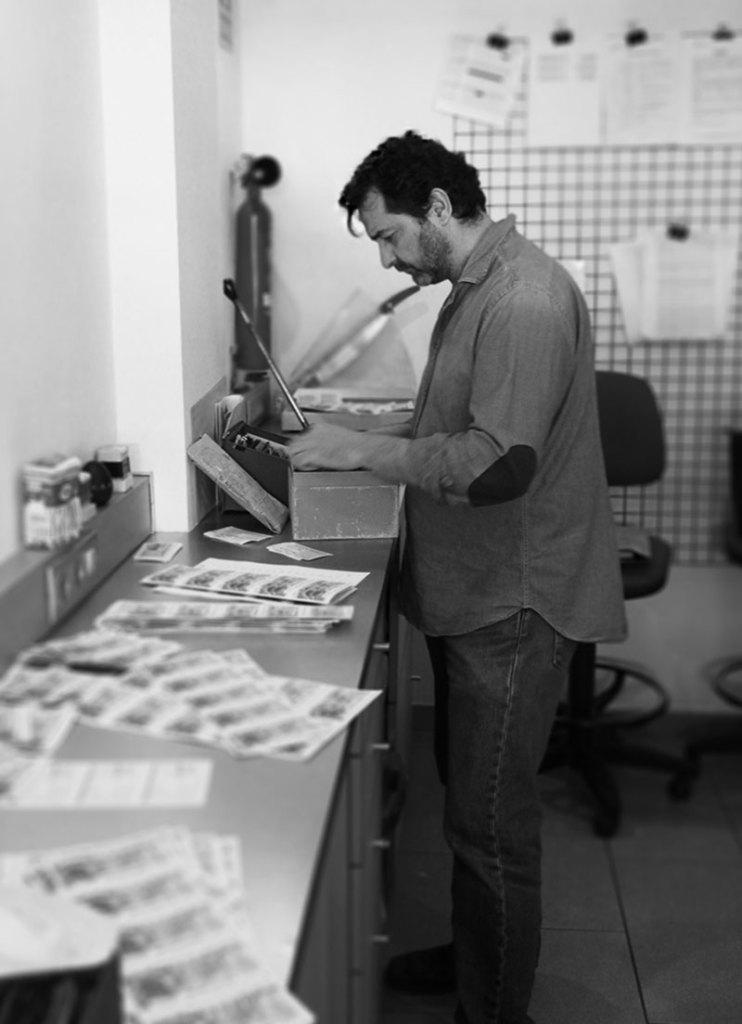 Foto del gestor y contable de la administración de lotería nº 3 de Ibiza